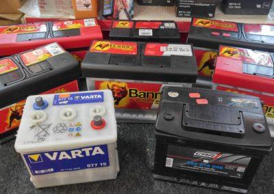 Starterbatterien für Motorrad, PKW, LKW, Boot